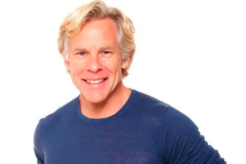 Ex-maratonista, triatleta, e autor e blogueiro de fitness com diversas publicações na área.