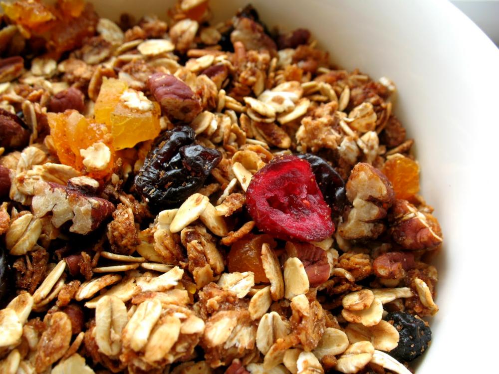 Granola, 1 colher de sopa: 11g de carboidratos