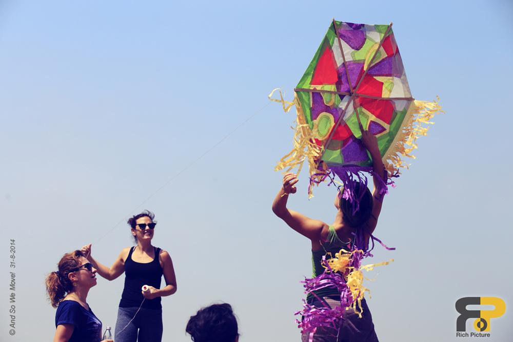12-kite.flying.jpg
