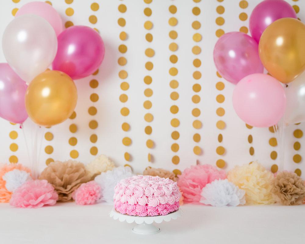 Girl_cake_smash_gaithersburg.jpg