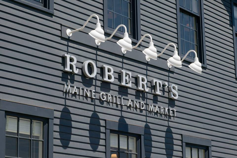 roberts-maine-grill-where-to-eat-kittery-maine-portsmouth-new-hampshire-blog-seacoast-lately.jpg15.jpg