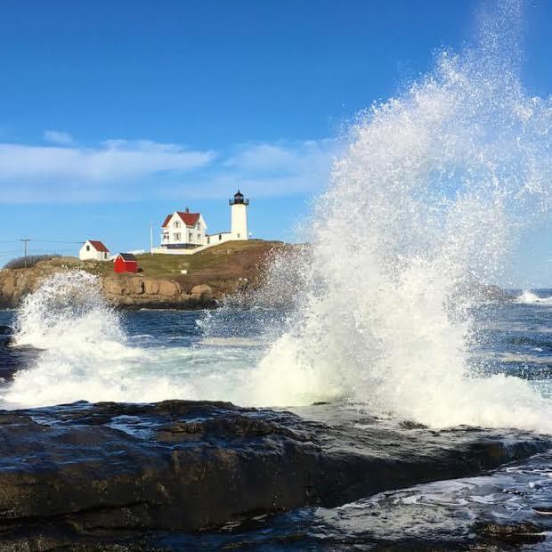 nubble-lighthouse-keeper-cape-neddick-light-york-maine-blog-coastal-new-england-travel-portsmouth-new-hampshire-nh-blog-seacoast-lately.jpg15.jpg