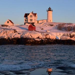 nubble-lighthouse-keeper-cape-neddick-light-york-maine-blog-coastal-new-england-travel-portsmouth-new-hampshire-nh-blog-seacoast-lately.jpg