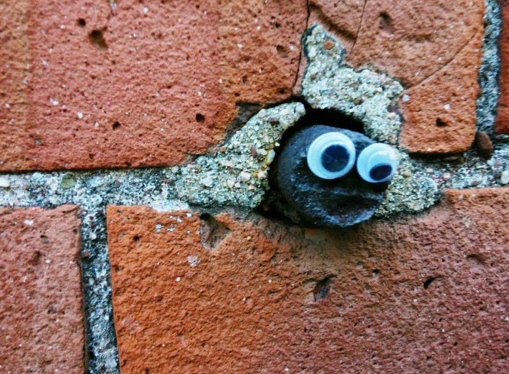 googley-eye-guy-portsmouth-new-hampshire-nh-blog-kittery-maine-new-england-blogger-seacoast-lately.jpg20.jpg