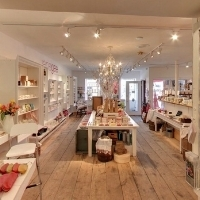 janegee-all-natural-skincare-portsmouth-new-hampshire-shopping-visit-seacoast-lately-blog.jpg7.jpg