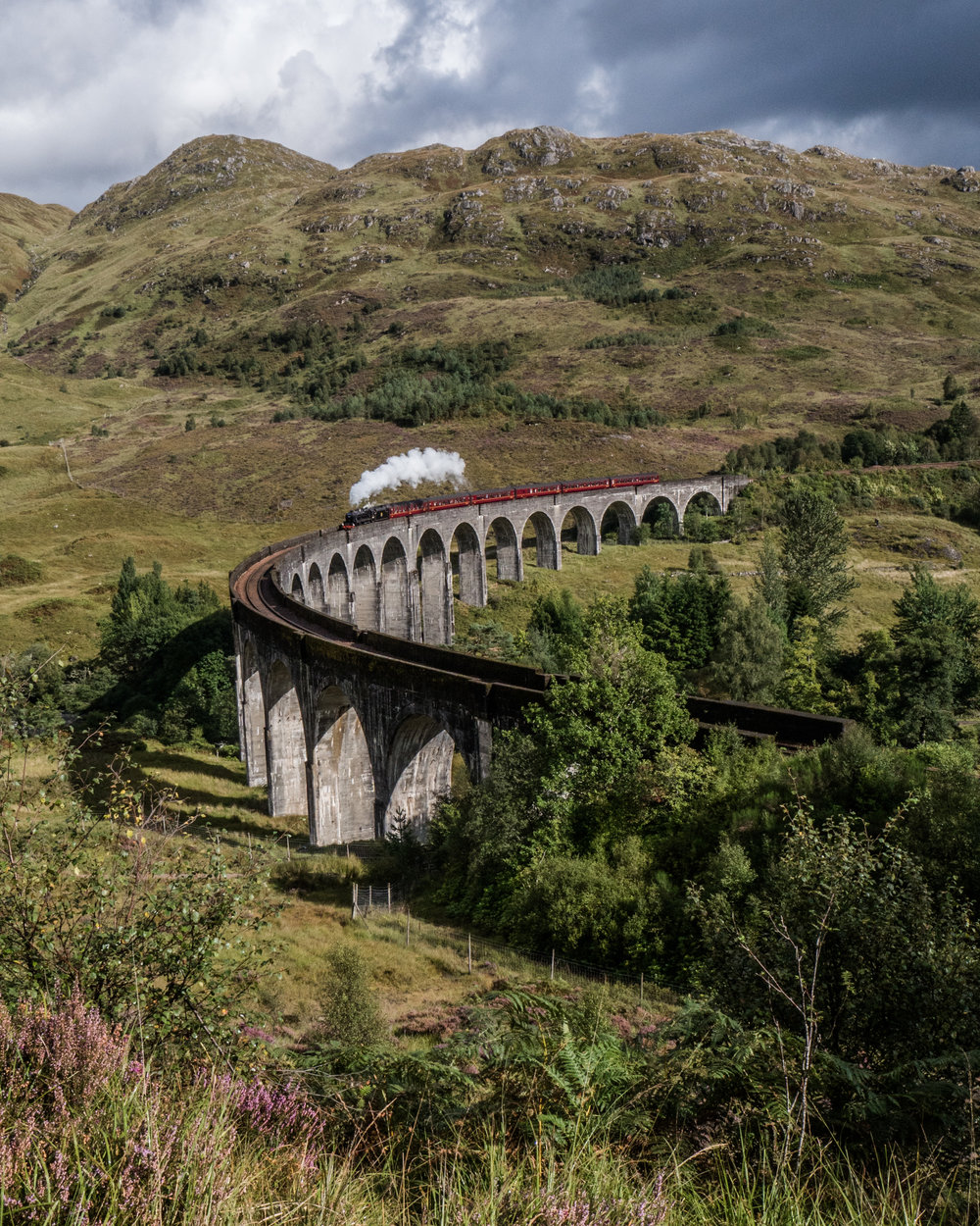 Aberdeen 4x4 - Isle of Skye - Glenfinnan Viaduct Photographer