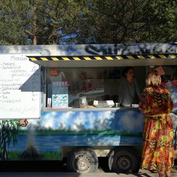 Snackkar en enige voorziening Peraküla telkimisala.jpg