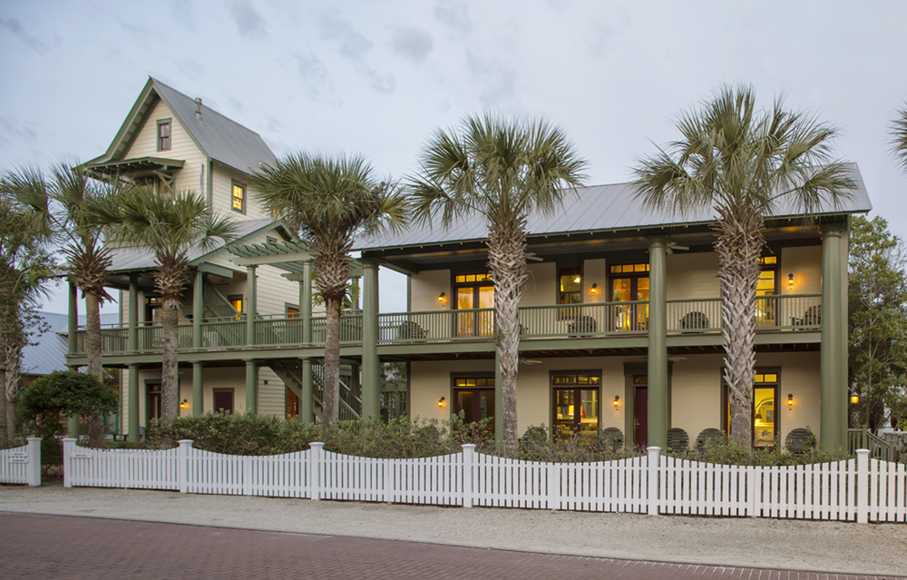 Seaside_Florida.Beach.Natchez_House.New_Urbanism.CNU.Courtyard.Walkable.Robert_Orr_&_Associates.Architecture.Landscape_Architecture.Urbanism.Natchez_Street_View.jpg