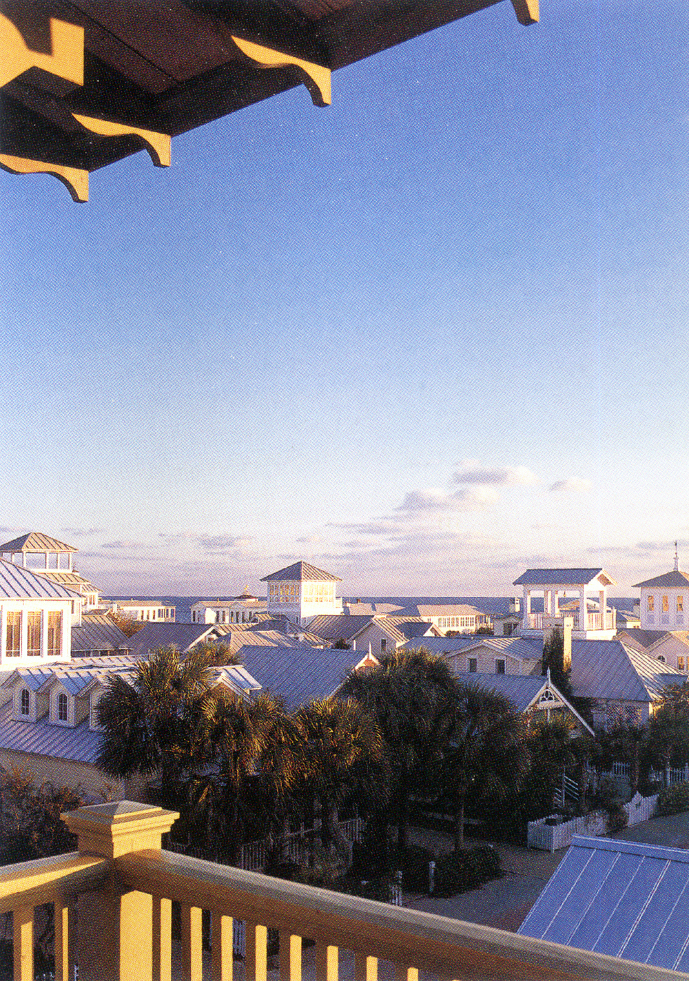Seaside_Florida.Beach.Natchez_House.New_Urbanism.CNU.Courtyard.Walkable.Robert_Orr_&_Associates.Architecture.Landscape_Architecture.Urbanism.High_Rustler_Porch.jpg