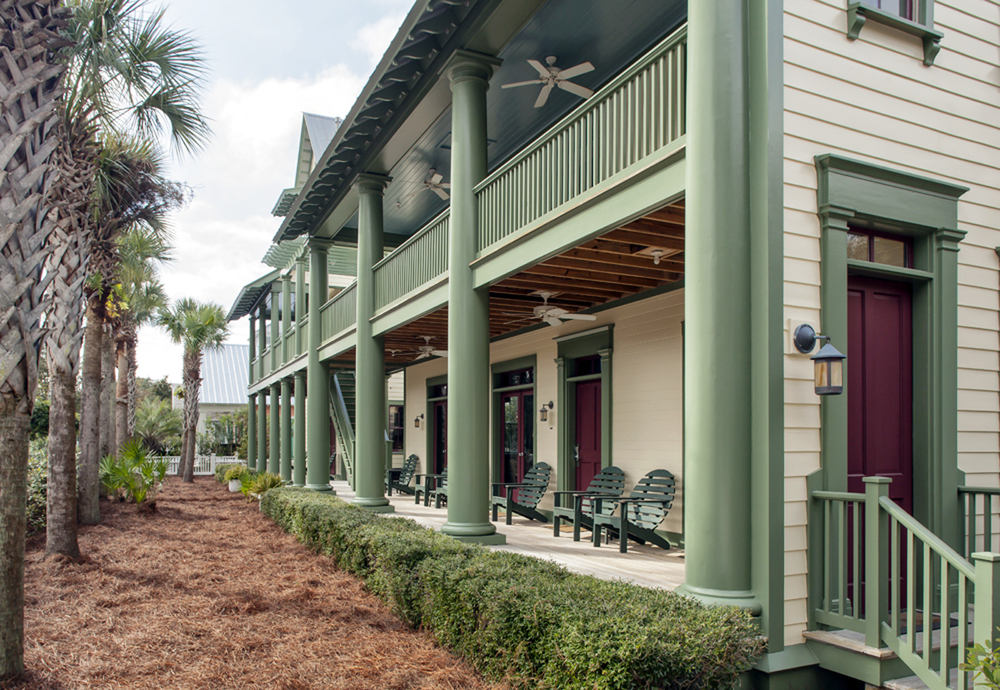 Seaside_Florida.Beach.Natchez_House.New_Urbanism.CNU.Courtyard.Walkable.Robert_Orr_&_Associates.Architecture.Landscape_Architecture.Urbanism.Side_Porch.jpeg