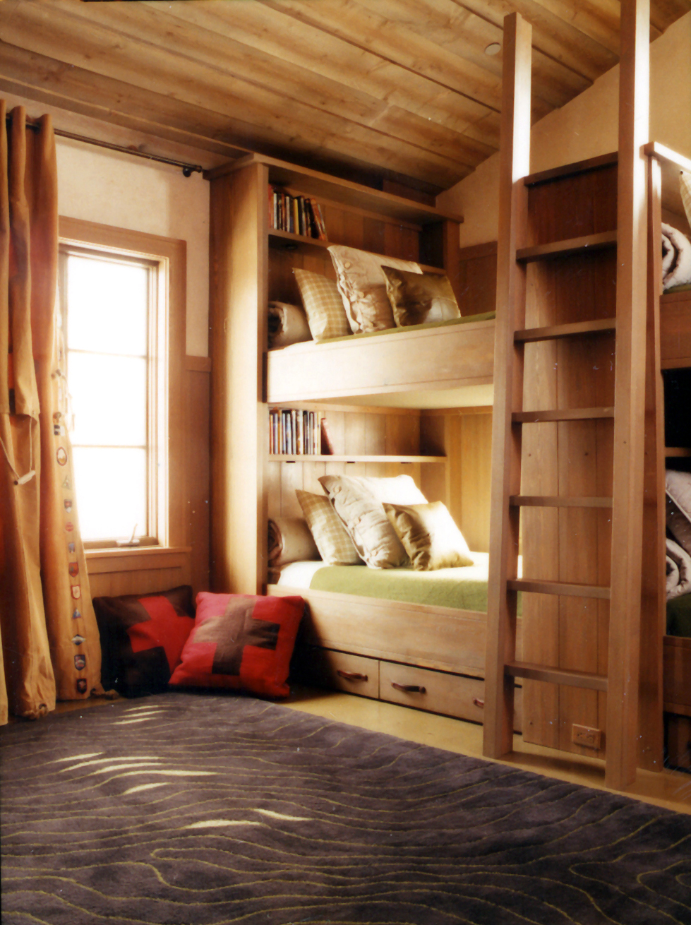 Snowmass_Village.Slope_Side_Lane.Ski_House.Robert_Orr_&_Associates.Architecture.Landscape_Architecture.New_Urbanism.Lebovitz_House.Bunk_Room_Boys.jpg