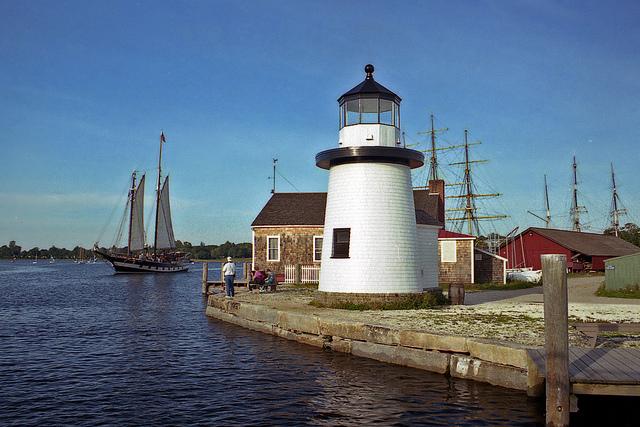 LighthouseatMysticSeaport1419018041_6N8tzwz.jpg