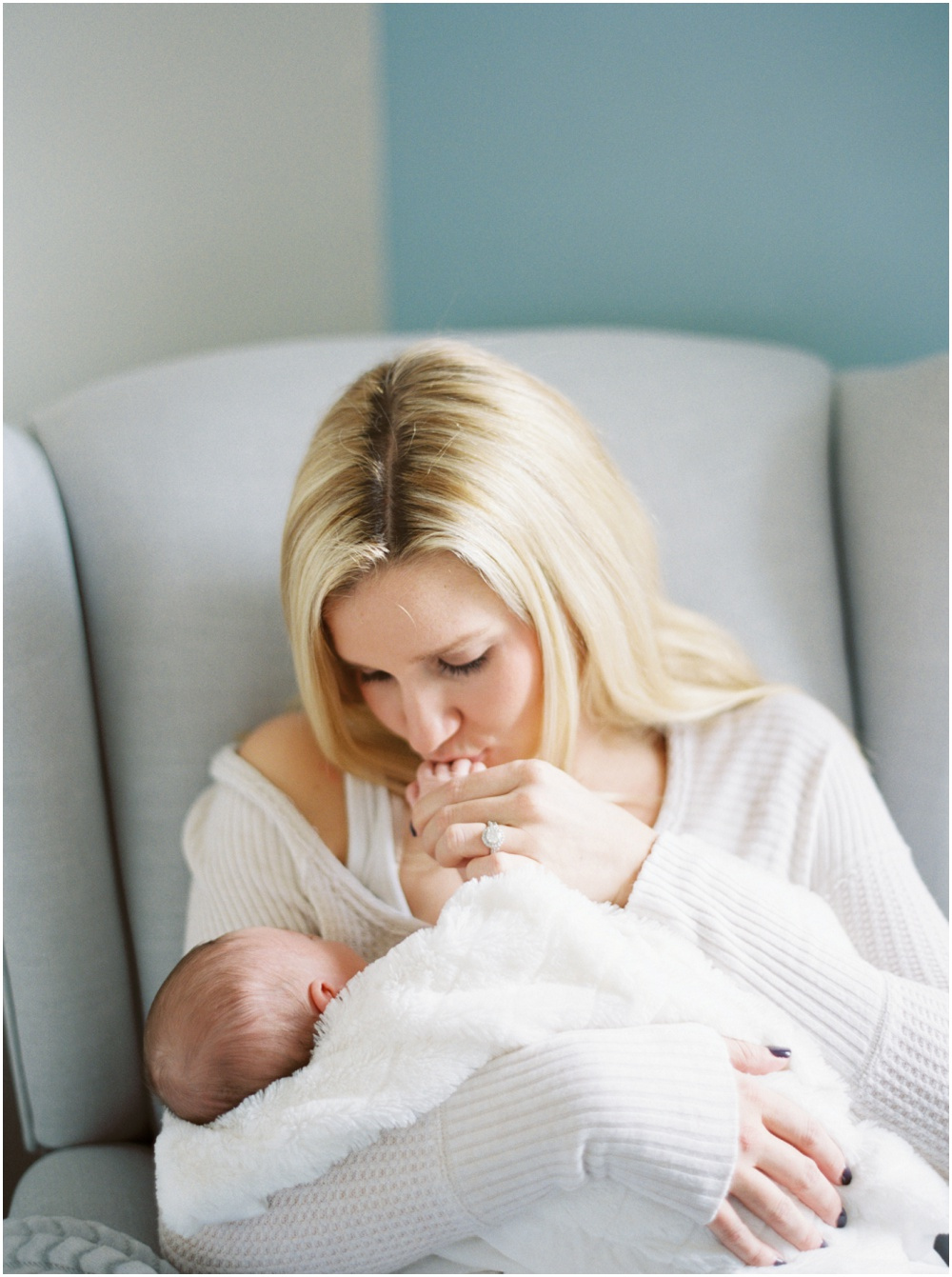 Newborn Photography by Erika Brown and featured on The Fount Collective, a lifestyle publication and community devoted to the art of being a mother._0007.jpg
