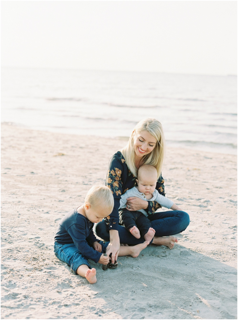 Motherhood Photography by Andrew Mark and featured on The Fount Collective, a lifestyle publication and community devoted to the art of being a mother._0002.jpg