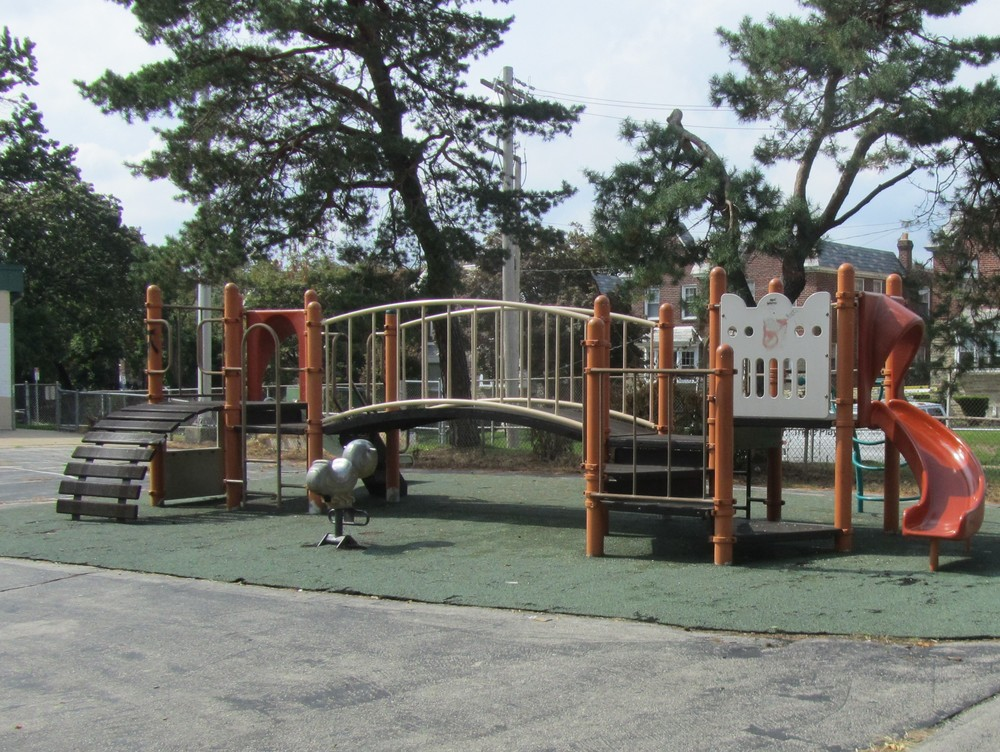 Finley Recreation Center Playground (Philadelphia Parks Alliance).