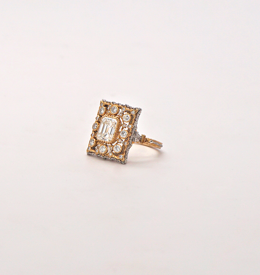 Vintage 18K yellow gold & Diamond Buccellati Ring.