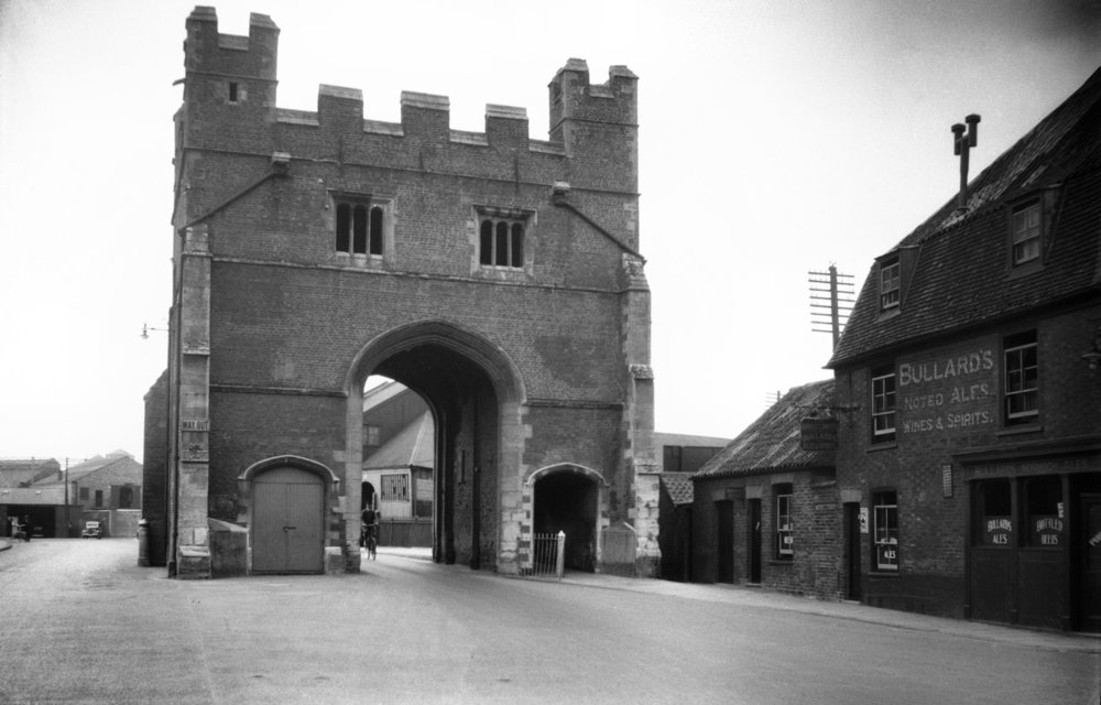 Kings Lynn South Gate north side [0661] 1935-08-12.jpg