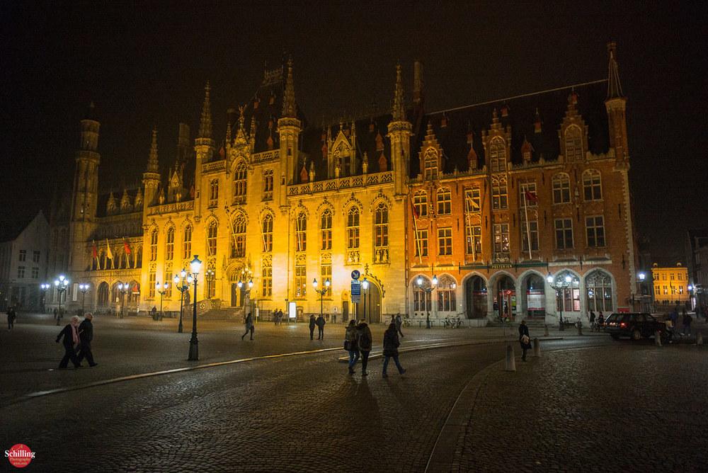 Post-Office-At-Night-Brugge.jpg