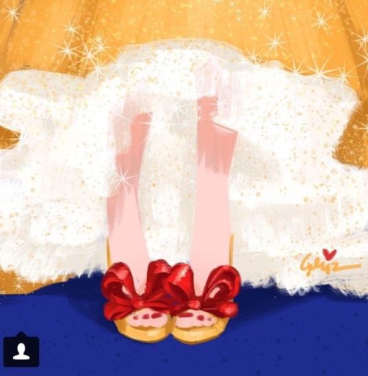 Snow White? Valentino pumps, of course!!