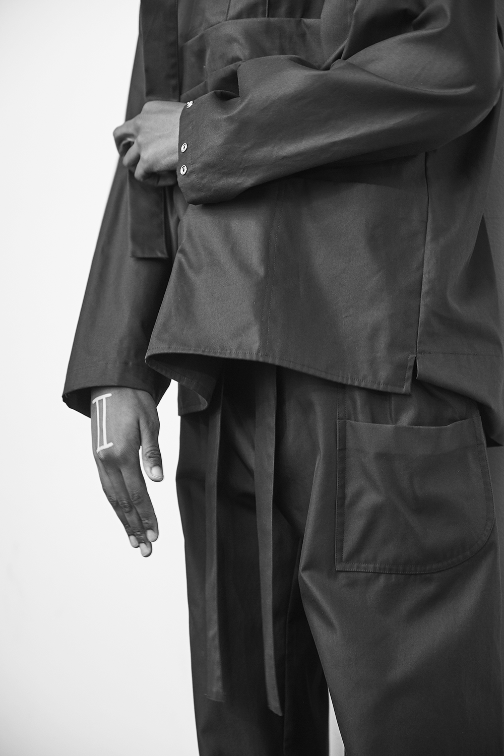 Phoebe English London Collections Men SS17 Black kaftan.png