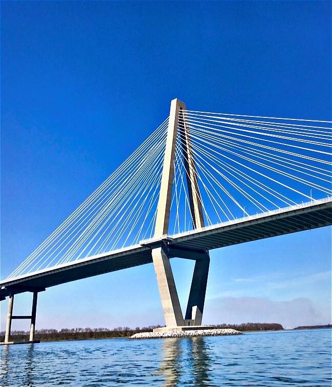 Be a bridge!