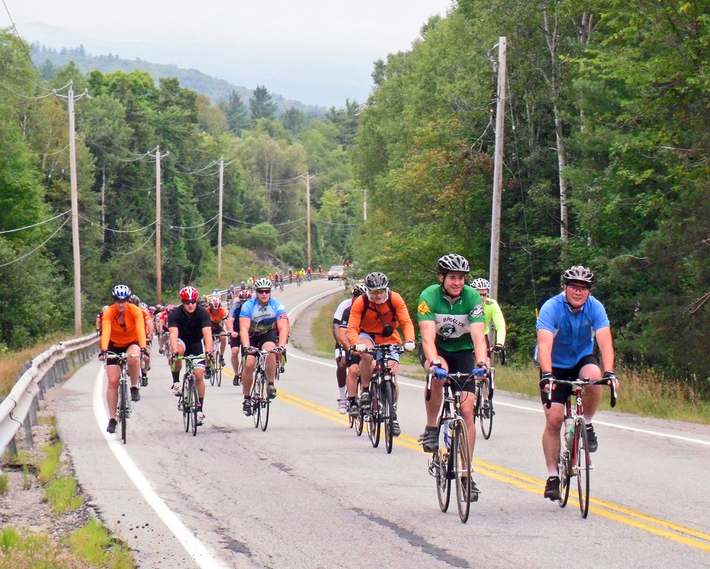 Riders head up Peaceful Valley Road at the 2011 Ididaride.  © Dave Kraus