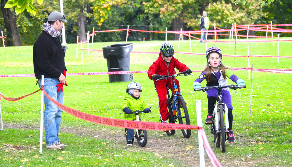 2015 NYCROSS Uncle Sam Grand Prix Race at Prospect Park in Troy; Under 10 Kids' Race.  Jen Harvey