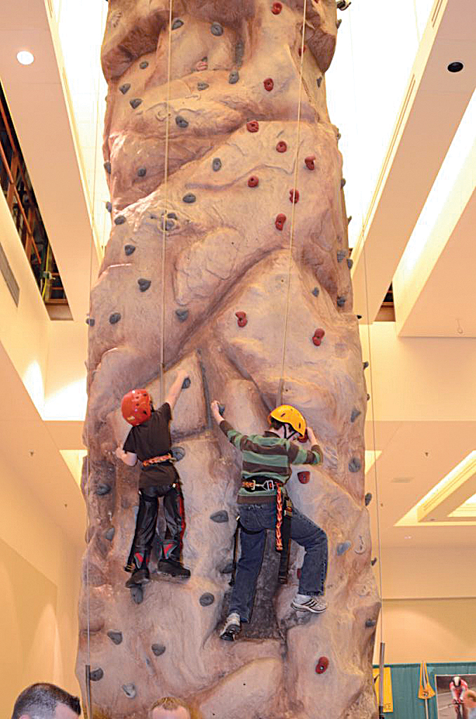 2016-11-winter-expo-rock-wall.jpg