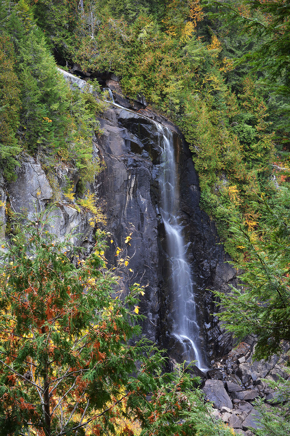 Falls from trail overlook_1462.jpg