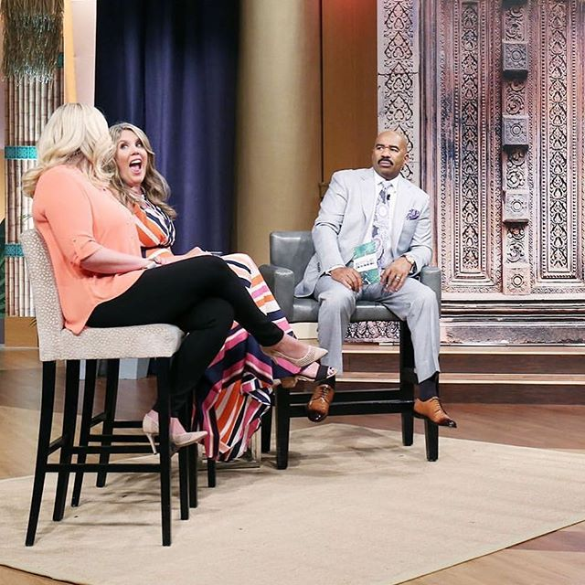 Hint hint...the topic of our episode was NOT divorce...and yep there were even a few surprises 😜 Tune in to the #steveharveyshow today on Fox!