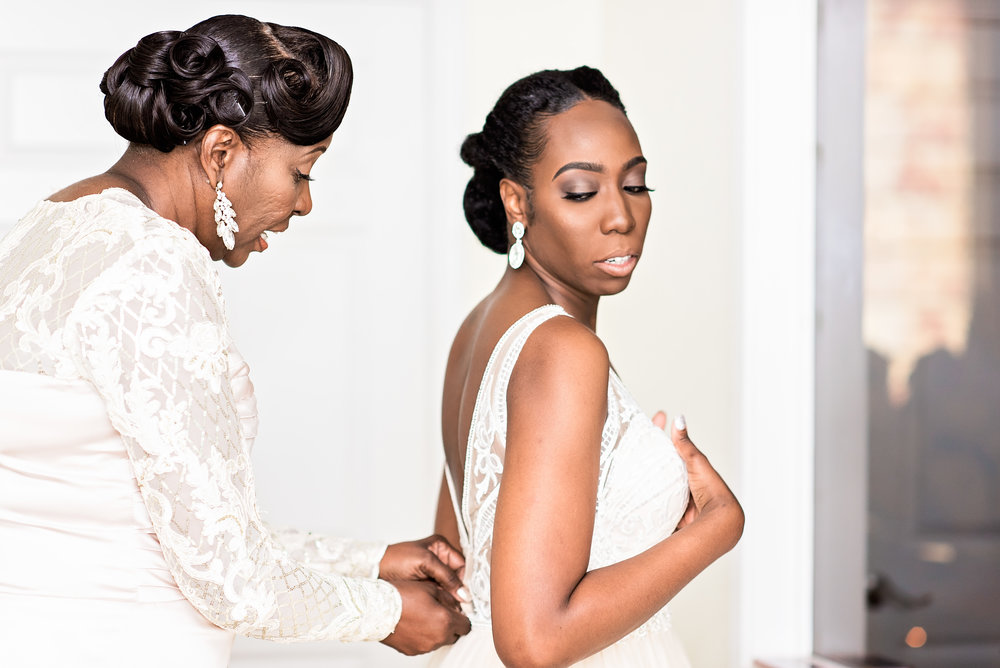 Pharris Photography- Texas Wedding- Texas Wedding Photography- Kayla and Calvin- Lace Wedding Dress- Getting Ready