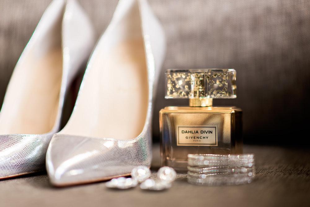 Pharris Photography- Texas Wedding- Texas Wedding Photography- Kayla and Calvin- Wedding Accessories- Get Ready