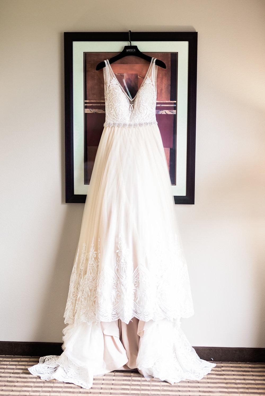 Pharris Photography- Texas Wedding- Texas Wedding Photography- Kayla and Calvin- Lace Wedding Dress