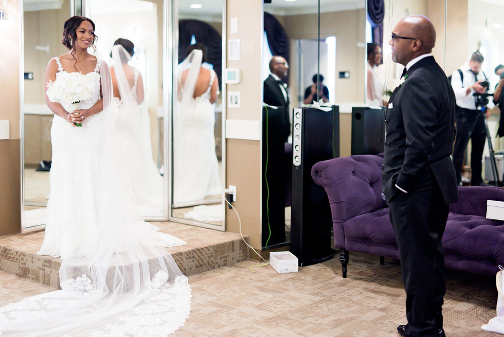 Dallas Wedding- Texas- Pharris Photography- Chelsea + Aaron