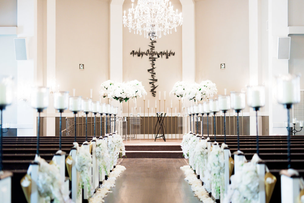 Dallas Wedding- Texas- Pharris Photography- Chelsea + Aaron- Floral Arrangements- Chapel