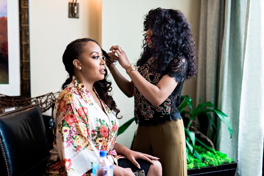 Dallas Wedding- Pharris Photography- Dorian + Chauncy- Bride- Getting Ready
