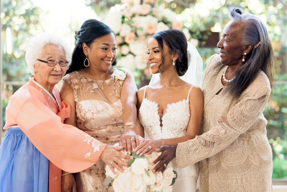 Pharris Photography- Texas Wedding- Noelle + Sullivan- Bride- Family