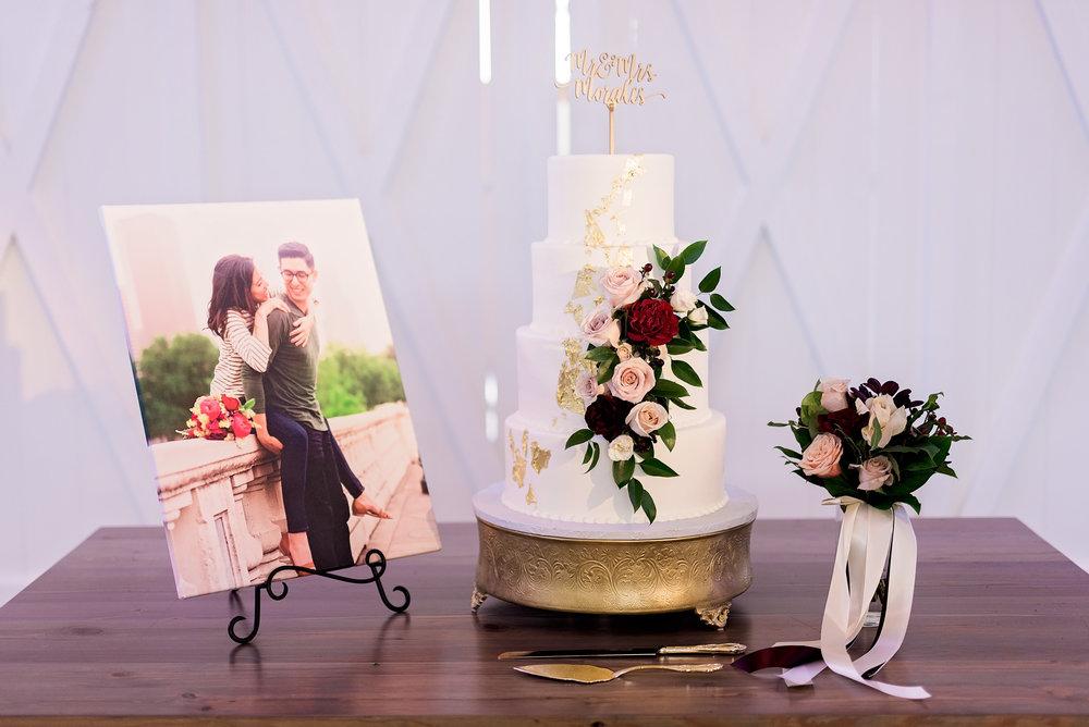 Texas Wedding- Pharris Photography- Melody + Moses- Wedding Details- Wedding Cake