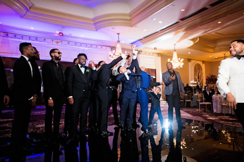 Pharris Photography- Houston Wedding- Krystyn and Joshual- Texas Wedding- Garter Toss