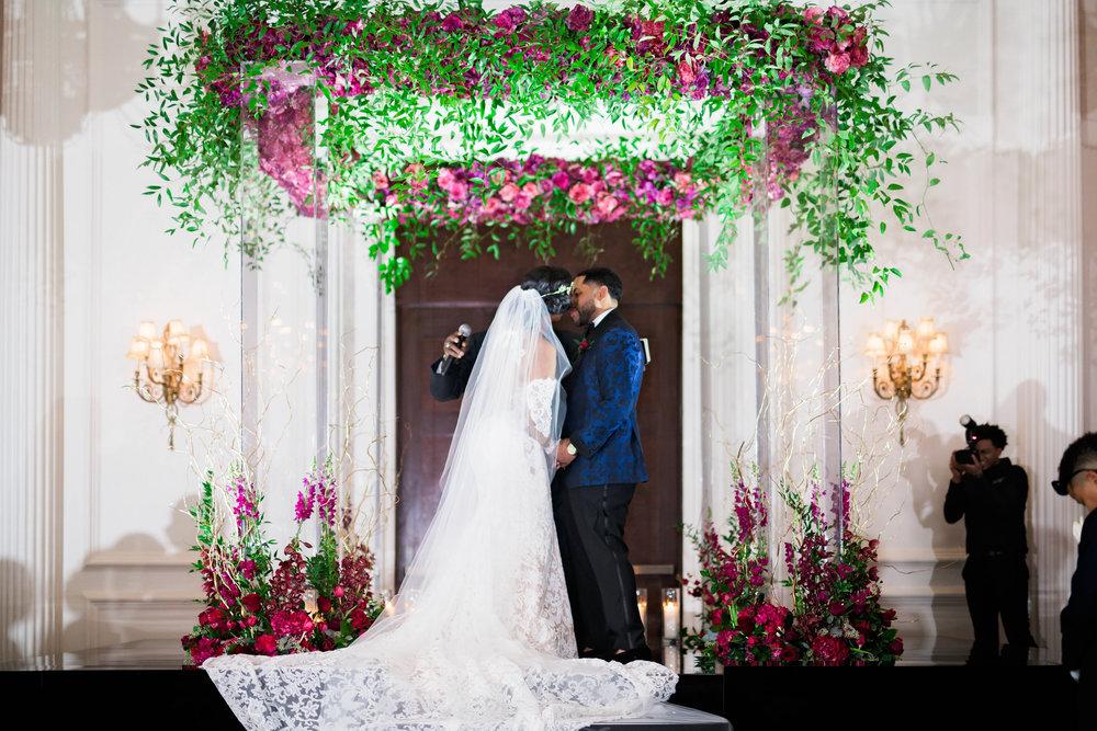Pharris Photography- Houston Wedding- Krystyn and Joshual- Texas Wedding- Florals- Lace Wedding Dress