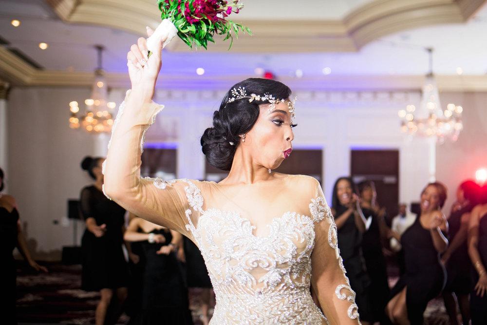 Pharris Photography- Houston Wedding- Krystyn and Joshual- Texas Wedding- Bouquet Toss