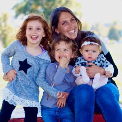 Author Sarah Schwartz with her beautiful kids.