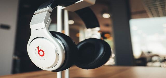 headphones-820341_640.jpg