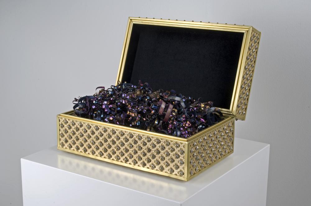 Museum_box_open.jpg
