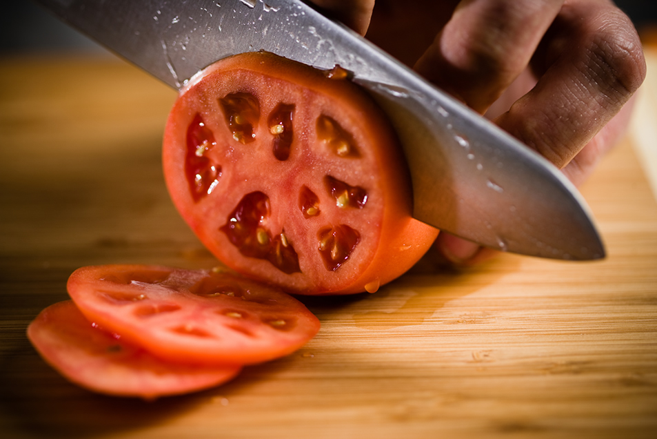 cuttingtomato.jpg