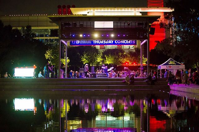 Here are two pics of the stage at @discoverygreen  One night time / day time shot...get there today to catch @djbabyroo & @slimthug do hip-hop in da park... #free 7PM 05/17/18 #houston