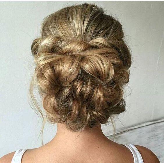 http://trend2wear.com/perfectly-imperfect-messy-hair-updos-girls-medium-long-hair/?utm_content=bufferd6558&utm_medium=social&utm_source=pinterest.com&utm_campaign=buffer