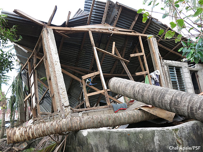 Ruined building, Bantayan, Philippines.  Photo: Chai Apale/PSF