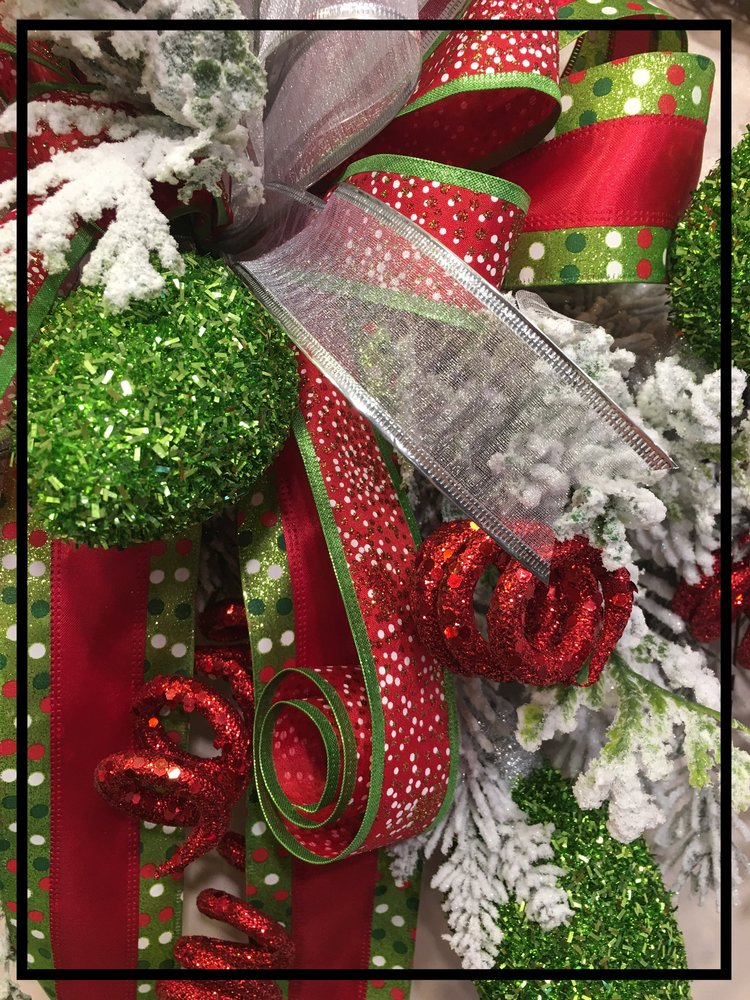 Christmas Wreath Green Red White3