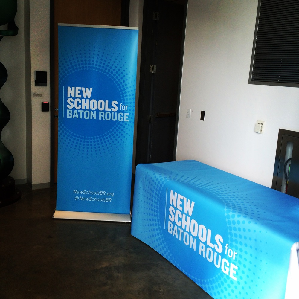 Retractable Banner stand and table Throw